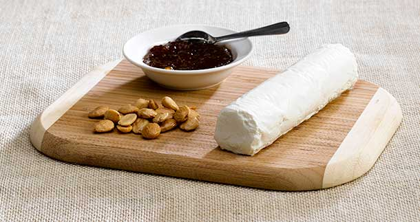 cheeses-varieties-log-fig-and-almonds-610px